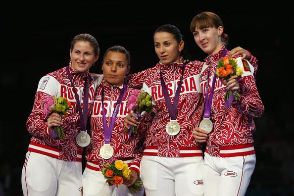 Сборная России - серебряный призёр олимпийского командного турнира рапиристок