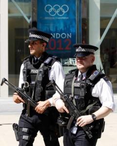 Британская полиция на страже порядка