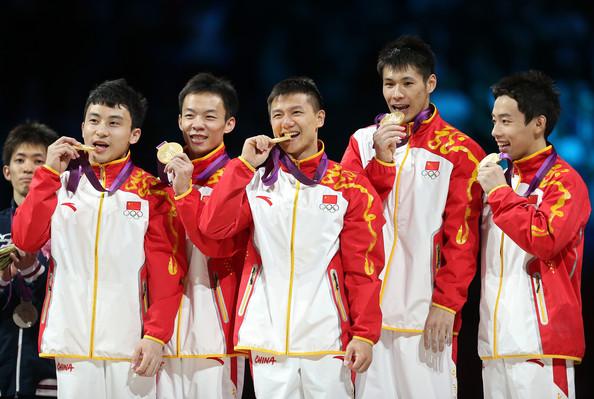 Китай (слева-направо: Фэн Чже, Вэйян Го, Чэнь Ибин, Чжан Чэнлун, Цзоу Кай)