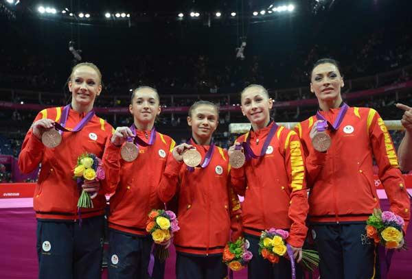 3. Румыния (слева-направо: Избаша Сандра, Келару Диана, Булимар Диана, Иордаке Лариса, Понор Каталина)