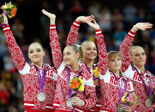 2. Россия (слева-направо: Мустафина Алия, Комова Виктория, Пасека Мария, Гришина Анастасия, Афанасьева Ксения)