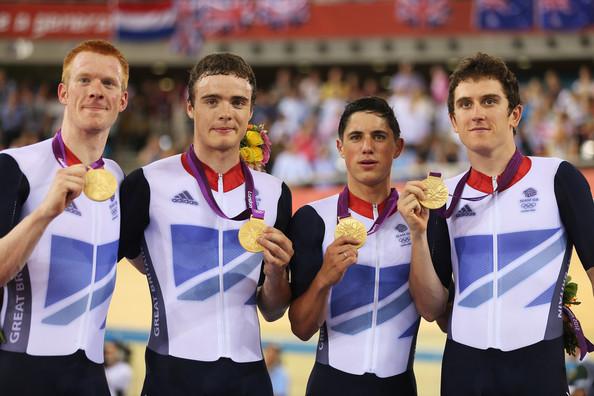 1. Великобритания (слева-направо: Клэнси Эдвард, Бурк Стивен, Кеннах Питер, Томас Джерайнт)