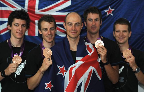 3. Новая Зеландия (слева-направо: Сержент Джесс, Райан Марк, Гоу Уэстли, Бьюли Сэм, Гэйт Аарон)