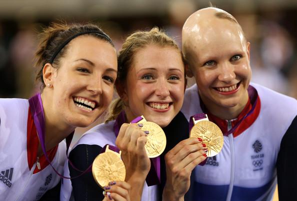 1. Великобритания (слева-направо: Кинг Даниэлле, Тротт Лаура, Роуселл Джоанна)